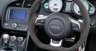 Audi-R8-2012-volante
